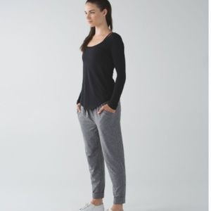 Lululemon Inner Essence Long Sleeve T-Shirt Size 6
